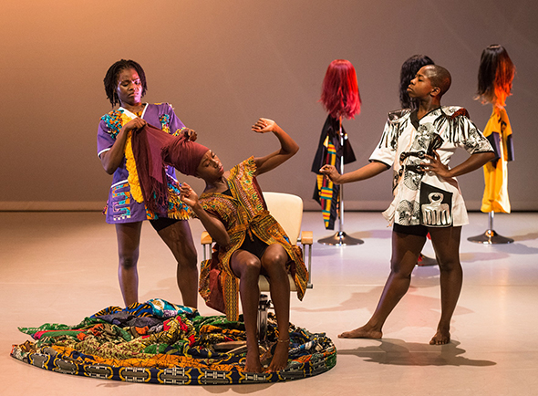 Uchenna Dance presents 'The Head Wrap Diaries' © Foteini Christofilopoulou.
